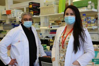 Florey researchers Professor Kevin Barnham and Ms Leah Beauchamp_1