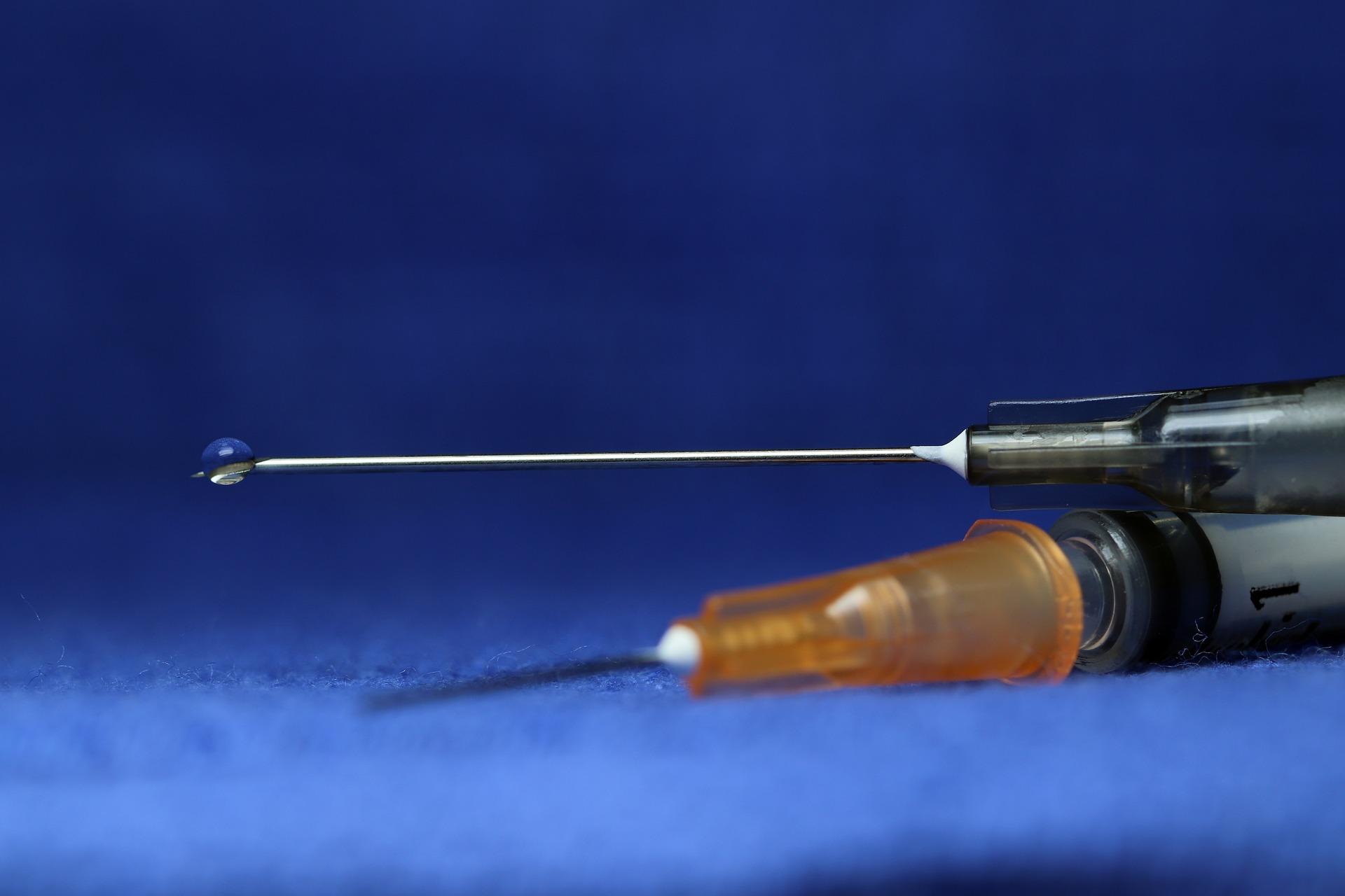 syringe-3908157_1920.jpg