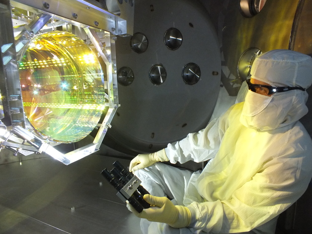LIGO inspecting core optics