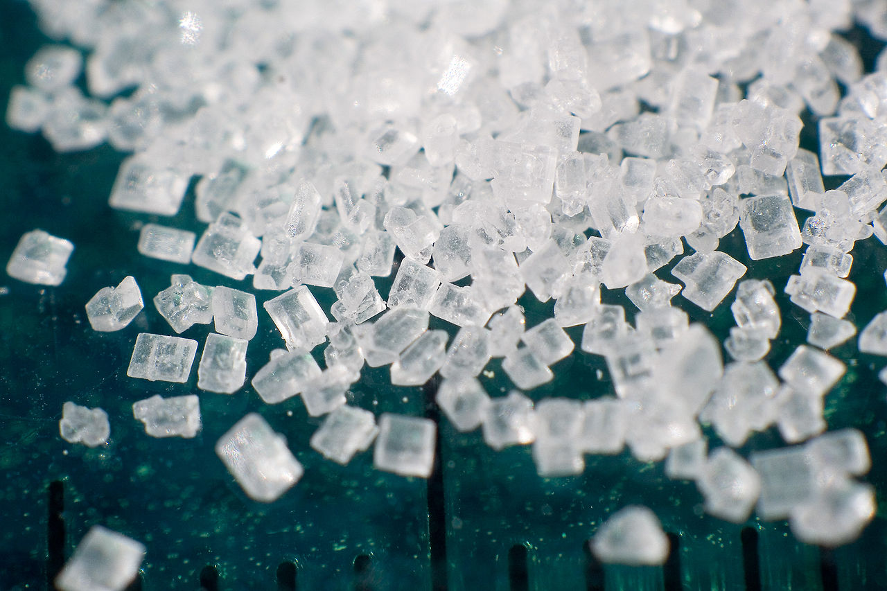 Sugar 2x macro By Lauri Andler (Phantom) - Photo taken by user, CC BY-SA 3.0