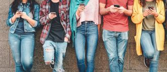 New research indicates that social media is leading young adolescent girls and boys down a worrying path towards developing body image issues and eating disorder behaviours – even though they are smartphone savvy. The Australian research, published in the International Journal of Eating Disorders (Wiley), found platforms with a strong focus on image posting and viewing such as Instagram and Snapchat are the most used, and the most risky. Flinders and University of Western Australia researchers surveyed 996 Year 7 and 8 'middle school' teenagers.