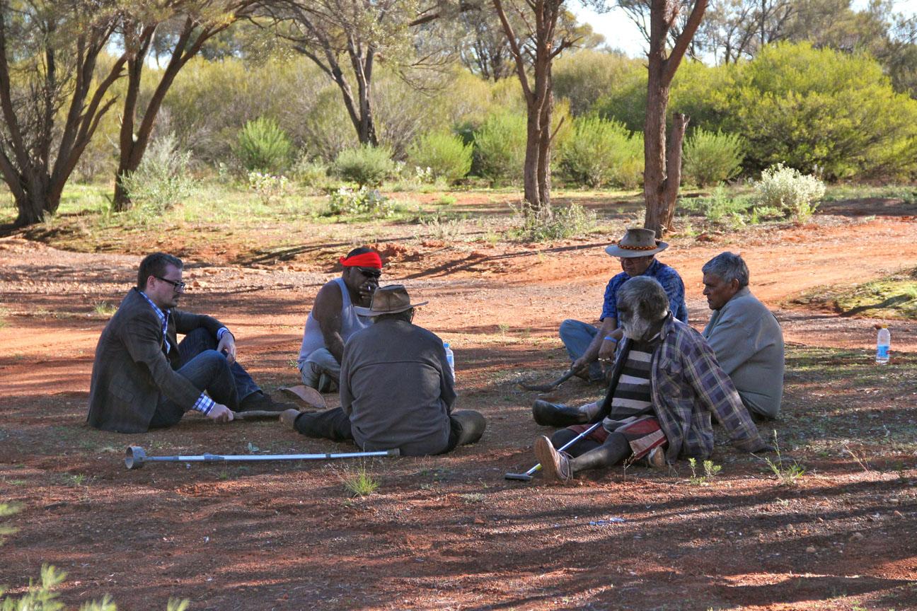 Professor Eske Willerslev talking to Aboriginal elders in the Kalgoorlie area in southwestern Australia in 2012. Credit: Preben Hjort, Mayday Film.