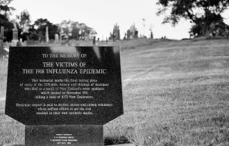 New Zealand's leading historian of the 1918 influenza pandemic says history doesn't need to repeat itself, so long as the country continues to respond quickly. Writing in the New Zealand Medical Journal, Professor Geoffrey Rice says that in last week's lockdown, one of the biggest lessons from 1918 had been applied: