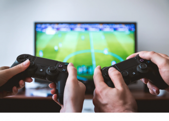 Playing video games is considered a risk factor for developing obesity in childhood, but there are several other factors, like staying up late or being less active, which may explain this relationship. A new study of 16,376 children in the UK tracked the use of video games at ages 5, 7, 11 and 14 years, as well as measuring other health behaviours. The results suggest there is a small association between video game use in early childhood and higher BMI in later years, which the researchers say may be due to irregular bedtimes and higher consumption of sugary drinks among children who spent more time playing video games. They propose that future interventions to prevent childhood obesity should incorporate health messaging in mainstream video games to target children most at risk.