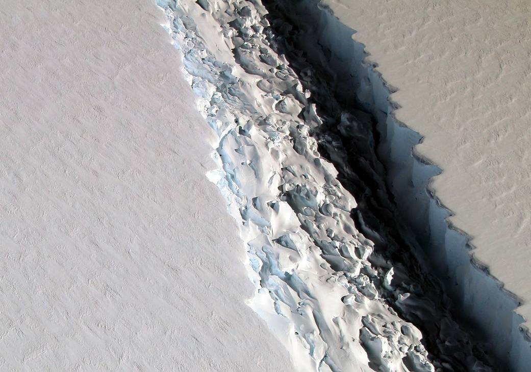 Larsen C iceberg_credit_NASA_John Sonntag